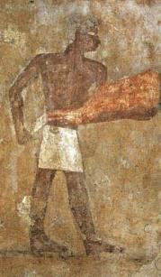 Imagem presente na tumba de Iymeri, Giza. TALLET, 2006. Pág. 15.