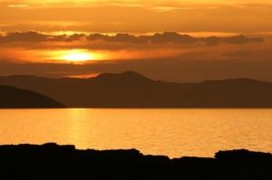 Crédito da foto: Piotr Gatlik via Shutterstock. Lago Turkana, visto aqui no por do sol, já foi o berço da humanidade.