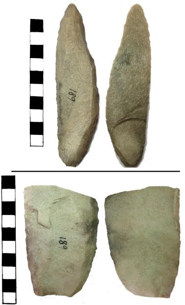 Lesmas encontradas no sítio arqueológico Gruta das Araras datados em 11 mil anos. O artefato de baixo está quebrado. Foto: JuCa.